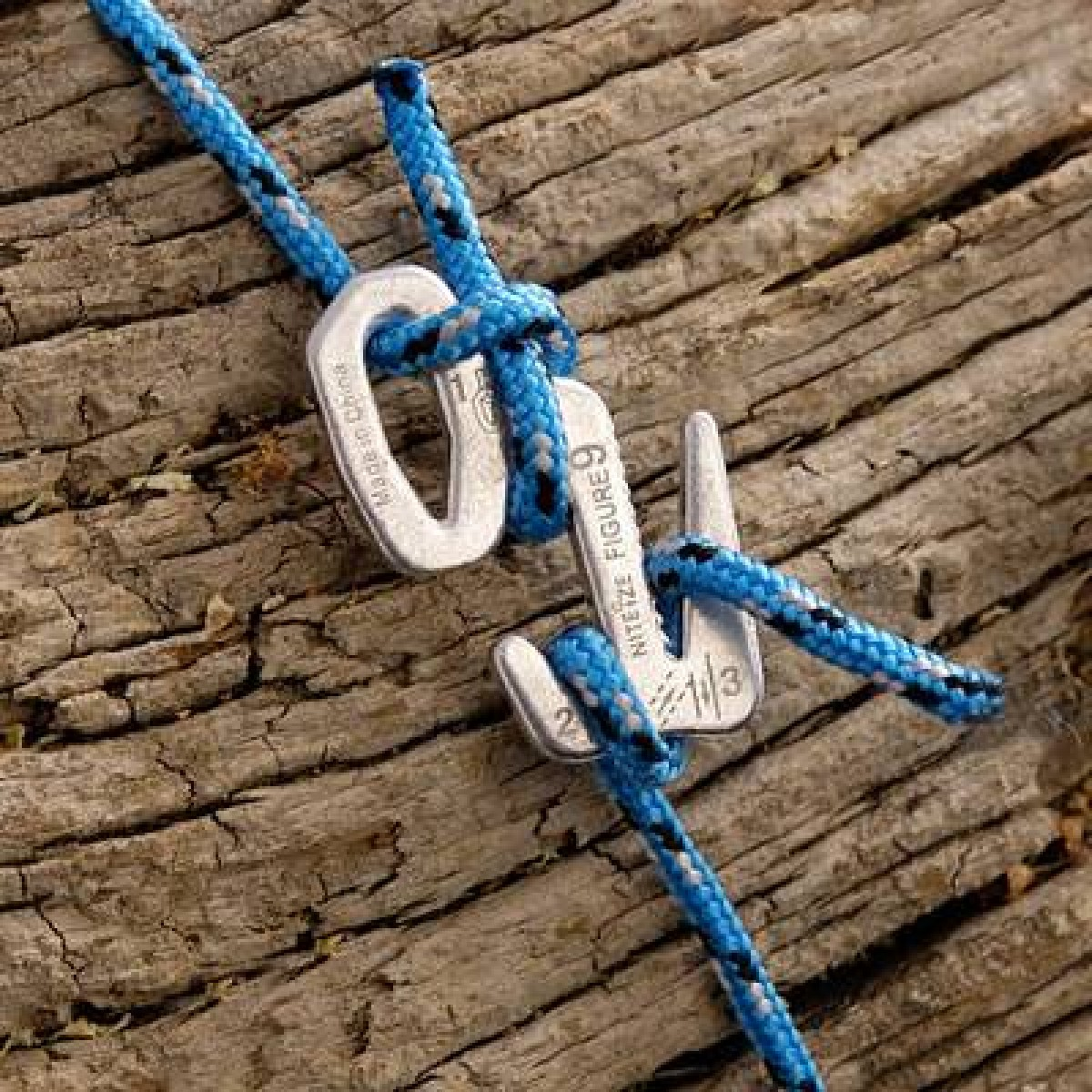 Связал ремнями веревкой крепко надел колготки 23 фотография